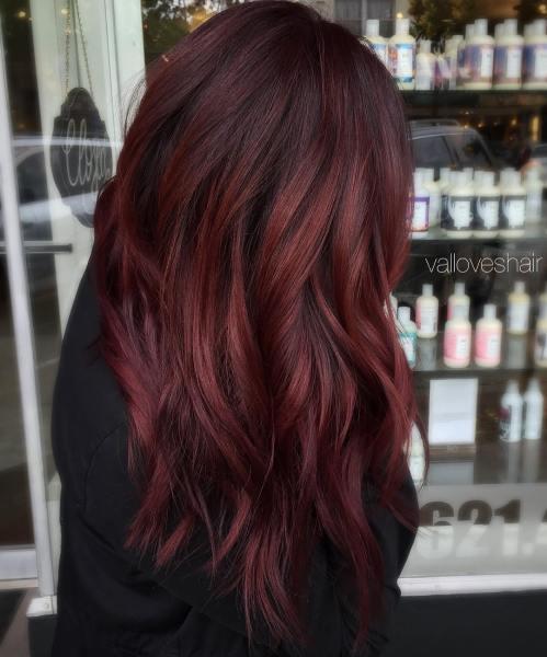 lila strähnen braune haare