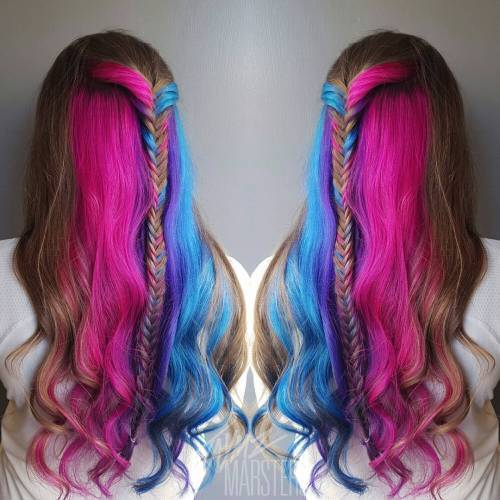 Hnědý Hair With Pink And Teal Sections