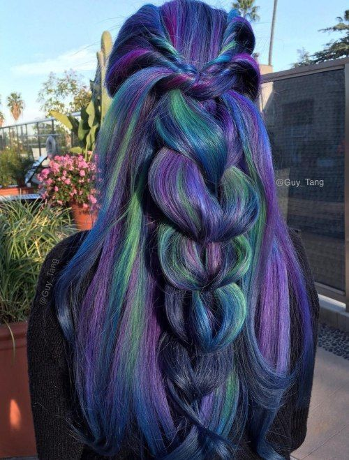 Temný Blue Hair With Green And Purple Highlights
