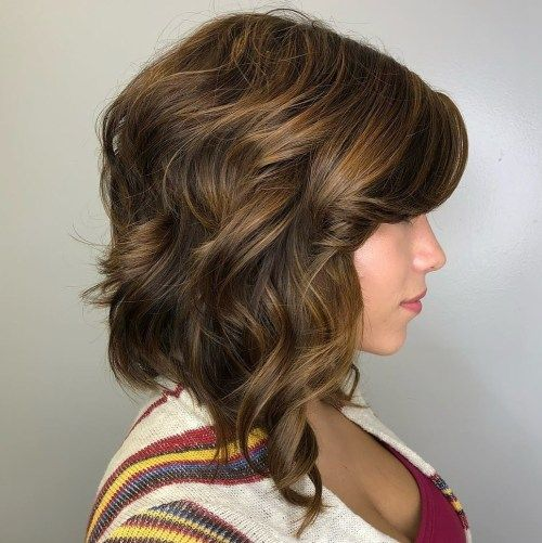 къдрав Golden Brown Bob with Side Bangs