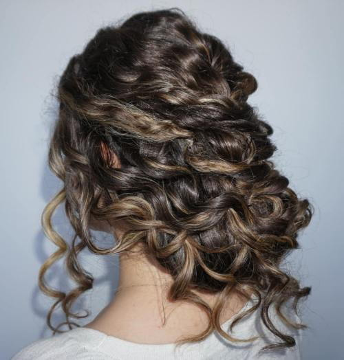 ниско Curly Updo For Long Hair