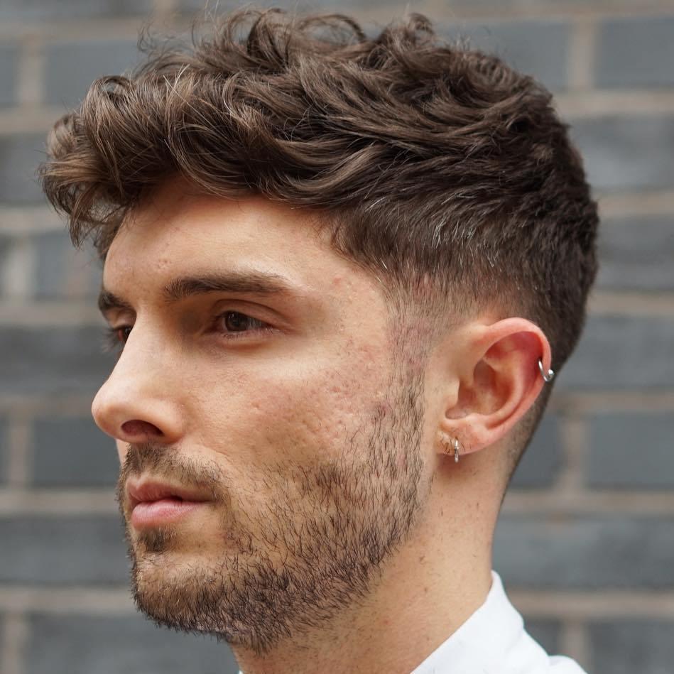 12 Statement-Frisuren für Männer mit dickem Haar