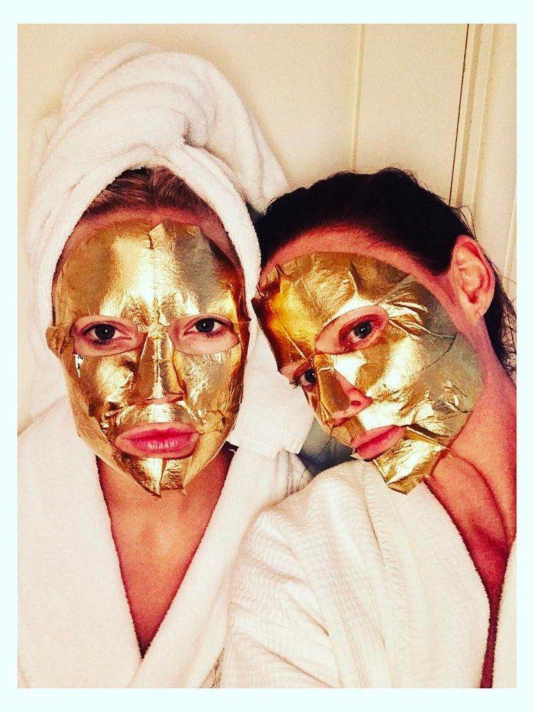 Срещнаха гала 2017: знаменитости, носещи златни маски..